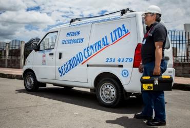 Servicios-seguridad-privada-instalación-mantenimiento-sistema-vigilancia